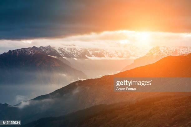 beautiful mountain landscape at sunrise. nepal, himalayas - anton petrus panorama of beautiful sunrise stock pictures, royalty-free photos & images