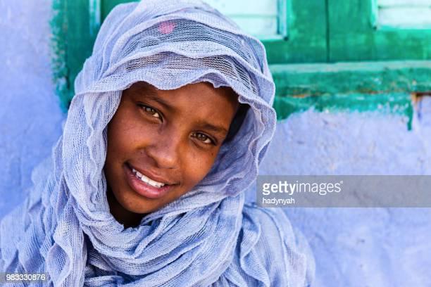 schöne muslimische mädchen im süden ägypten - ägypten stock-fotos und bilder