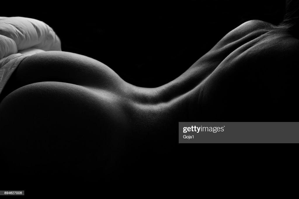 Schönen nackten Frau im Bett : Stock-Foto