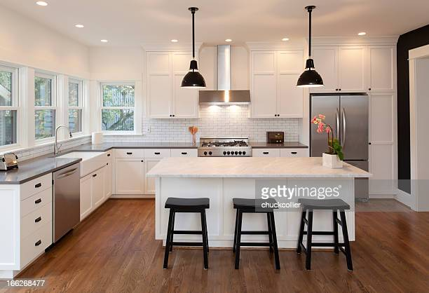 beautiful new kitchen - kitchen stock pictures, royalty-free photos & images