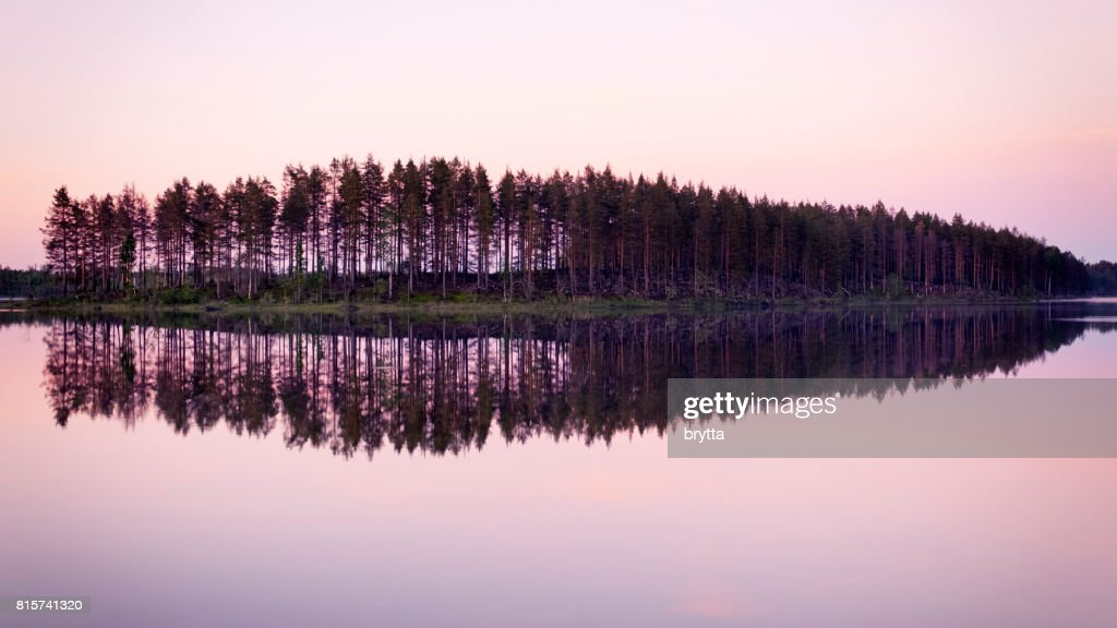 Beautiful pink sunrise over the lake  in Gastrikland,Sweden : Stock Photo