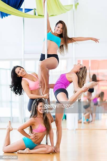 Magnifique pole dancers
