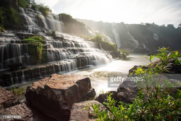 Schöner Pongour-Wasserfall in Vietnam