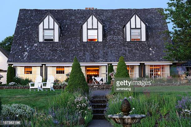 beautiful restaurant - inn stock pictures, royalty-free photos & images