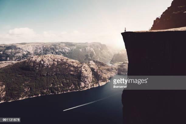 美しいシーン preikestolen - ローガラン県 ストックフォトと画像