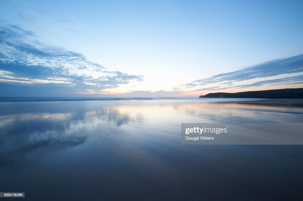 Beautiful seascape reflections at dusk. : Stock Photo