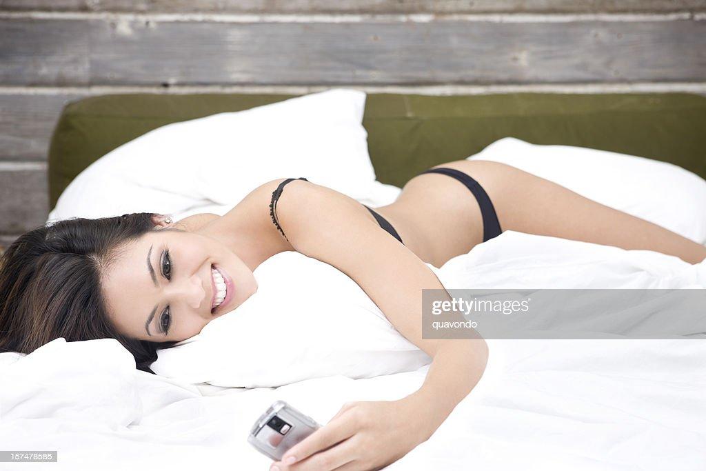 asian hot in white lingerie bild