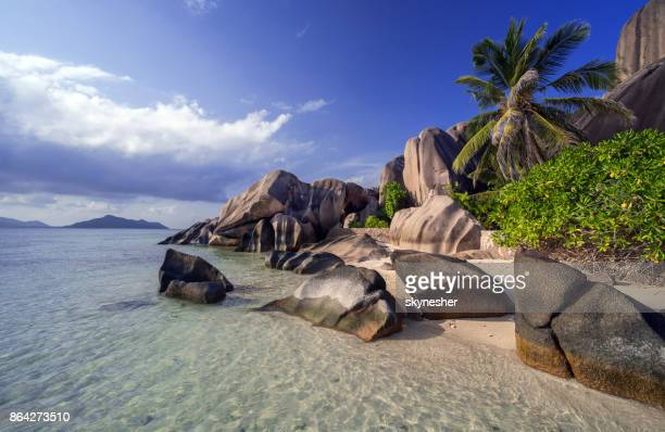 beautiful seychelles - la digue island stock pictures, royalty-free photos & images