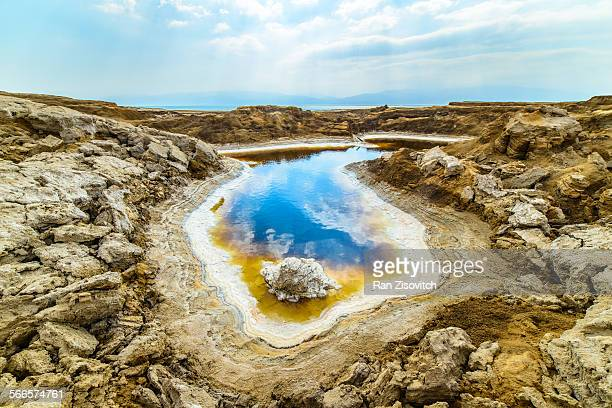 beautiful sinkhole - dead sea stock pictures, royalty-free photos & images