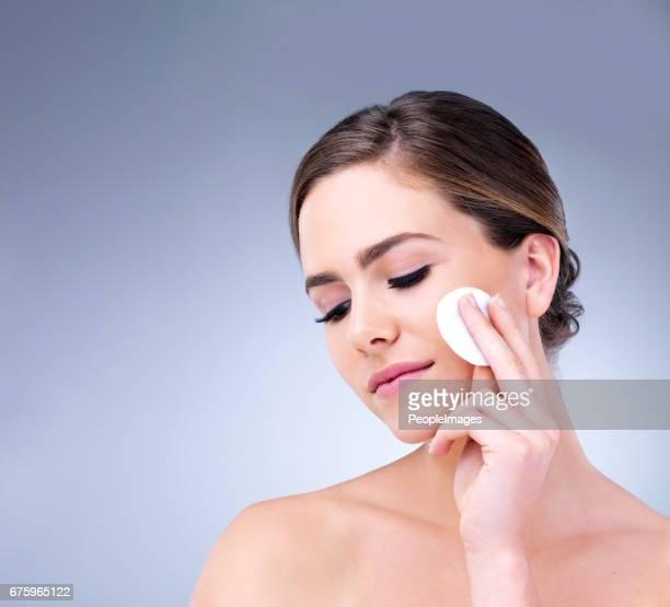 最高のスキンケアで美しい肌を開始します。
