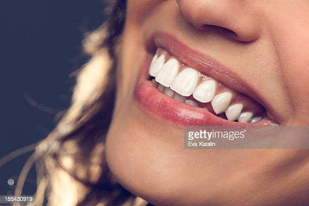 beautiful smile - glimlachen stockfoto's en -beelden