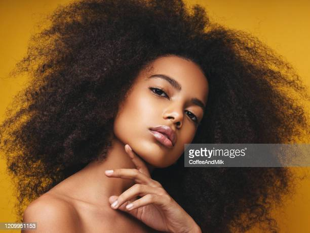 beautiful smiling girl with curly hairstyle - fashion model stock pictures, royalty-free photos & images