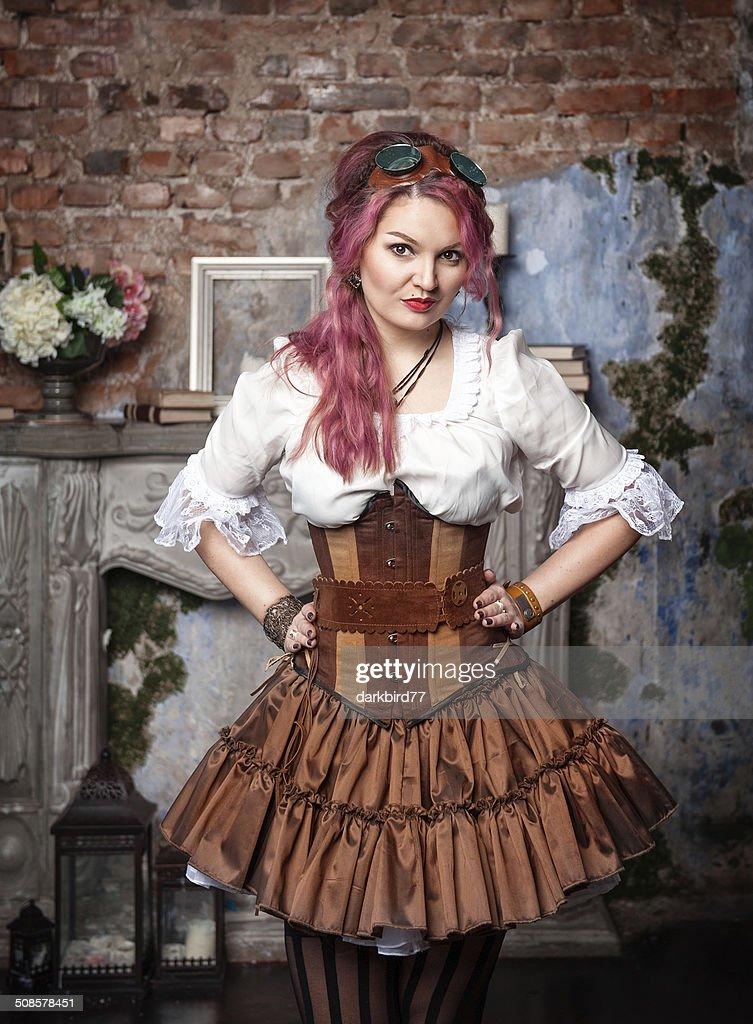 Wunderschöne steampunk Frau Posieren : Stock-Foto