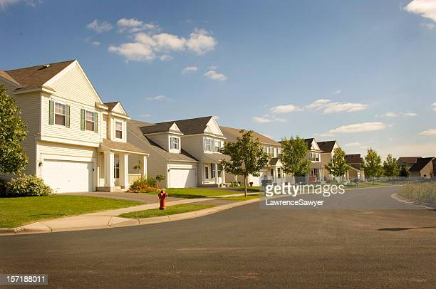beautiful suburbia - terraced_house stock pictures, royalty-free photos & images