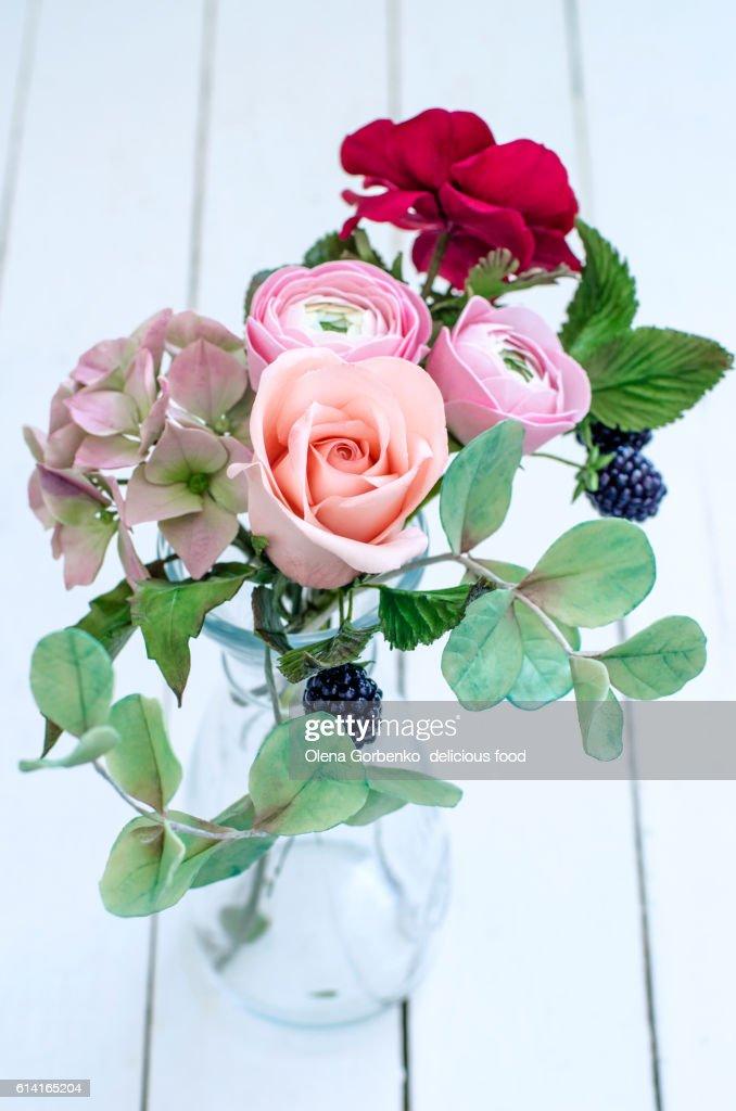 Beautiful Sugar Flowers For Wedding Cake : Stock Photo