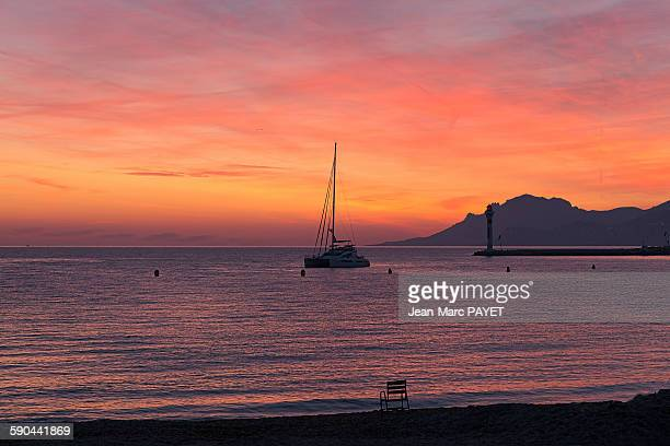 beautiful sunset and seascape - jean marc payet foto e immagini stock