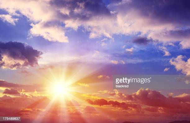 beautiful sunset cloudscape - geloof stockfoto's en -beelden