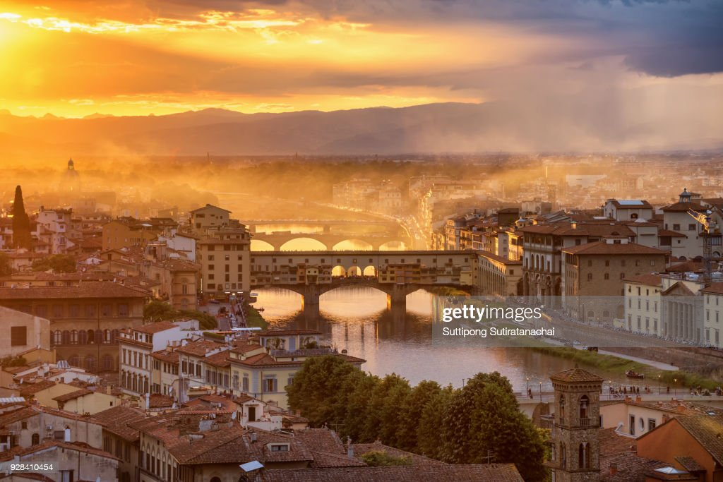Beautiful sunset landscape view of Cathedral of Santa Maria del Fiore (Duomo) and Vecchio palazzo, Florence, Italy : Stock Photo