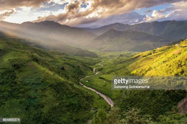 beautiful sunset landscape view of rice terraces and house in mountain of nortern vietnam - sapa stock pictures, royalty-free photos & images