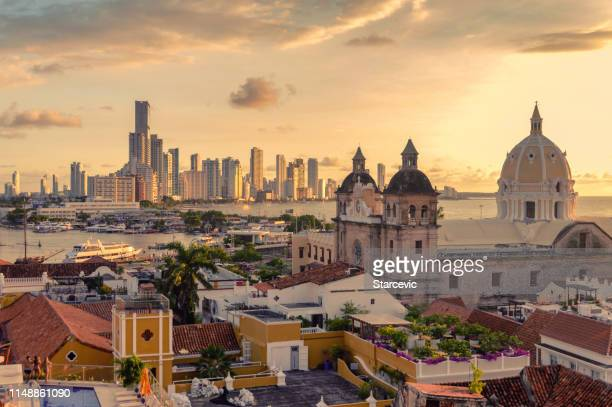 beautiful sunset over cartagena, colombia - cartagena colombia foto e immagini stock