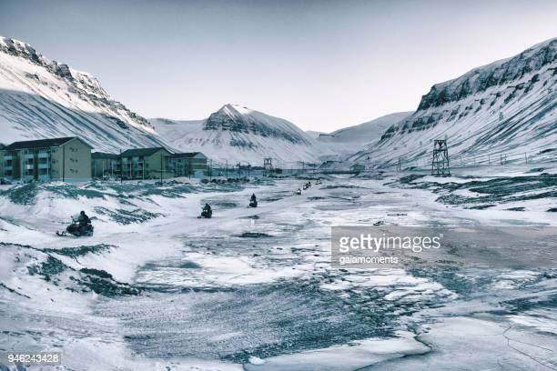 beautiful svalbard landscape - spitsbergen stock pictures, royalty-free photos & images