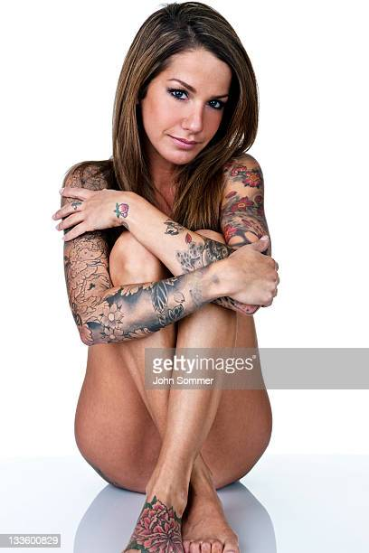 beautiful naked tattooed women
