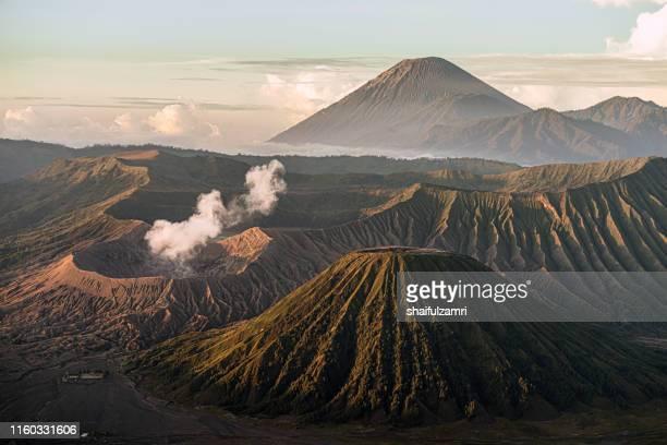 beautiful view landscape of active volcano crater - shaifulzamri stockfoto's en -beelden