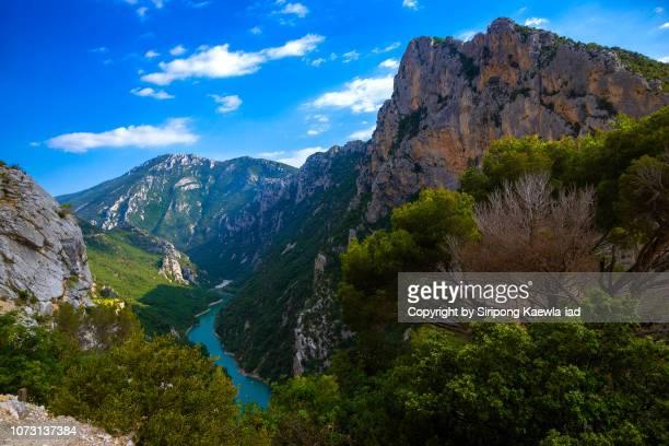 beautiful view of gorges du verdon in provence, france. - gorges du verdon photos et images de collection