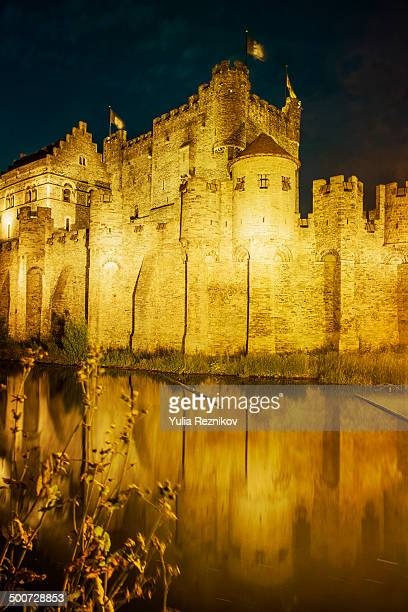 CONTENT] Beautiful view of Gravensteen castle textured