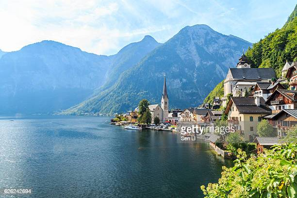 beautiful view of hallstatt - hallstatter see stock pictures, royalty-free photos & images