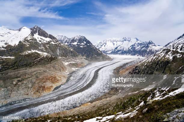 schöne aussicht auf den aletschgletscher in der schweiz - gletscher stock-fotos und bilder