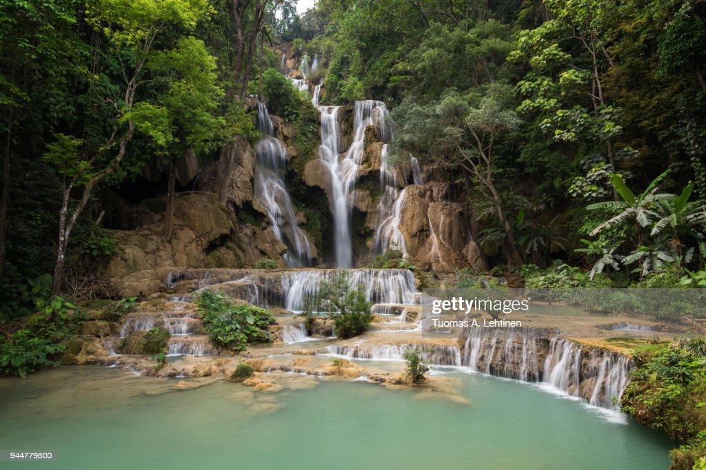 Beautiful view of the main fall at the Tat Kuang Si Waterfalls near Luang Prabang in Laos : Stock Photo
