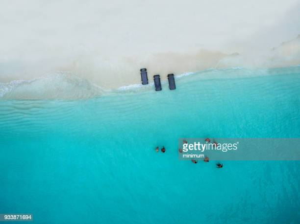 beautiful water of turks and caicos - turks and caicos islands stock pictures, royalty-free photos & images
