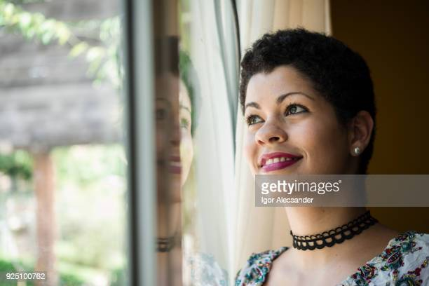 beautiful woman at home - short necklace stock pictures, royalty-free photos & images