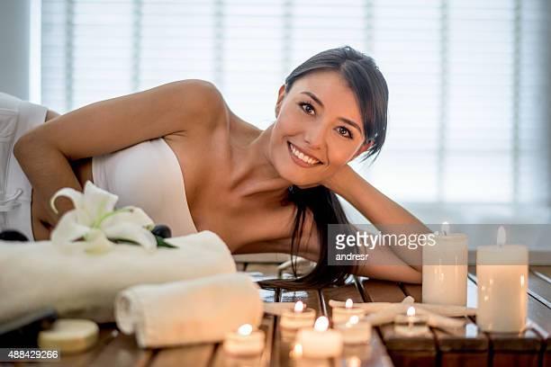 Belle femme dans le spa