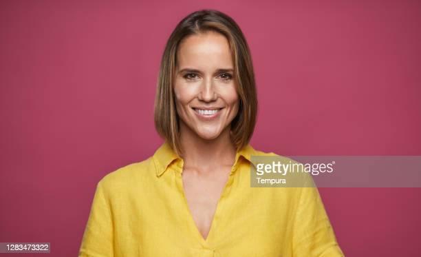 beautiful woman headshot portrait - 35 39 anos imagens e fotografias de stock