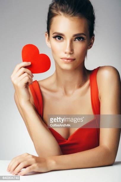 美しい人工心臓を持つ女性