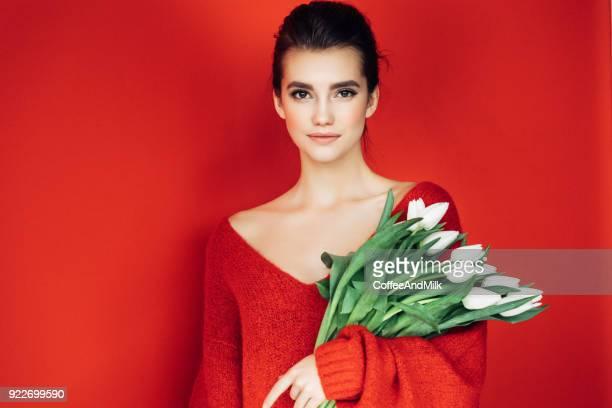 Schöne Frau Holding bouquet
