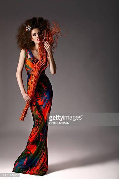 Mulher bonita em Vestido de Festa