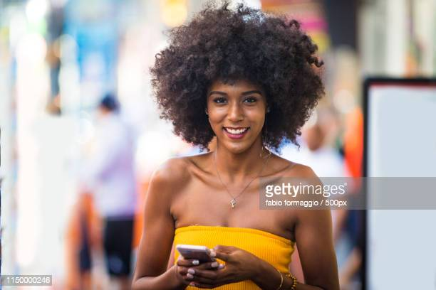 beautiful woman in new york - new yorker building stock pictures, royalty-free photos & images