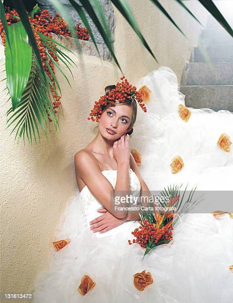 beautiful woman in wedding dress - tempio pausania stock-fotos und bilder