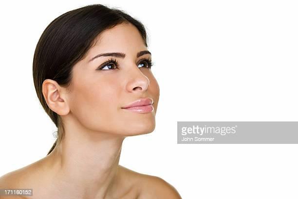 mulher bonita olhando para espaço para texto - olhos castanhos - fotografias e filmes do acervo
