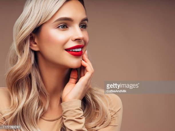 mulher bonita - simplicidade - fotografias e filmes do acervo
