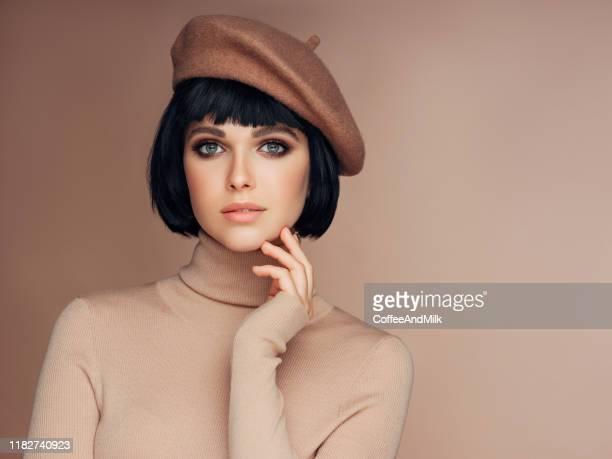 美しい女性 - ベレー帽 ストックフォトと画像
