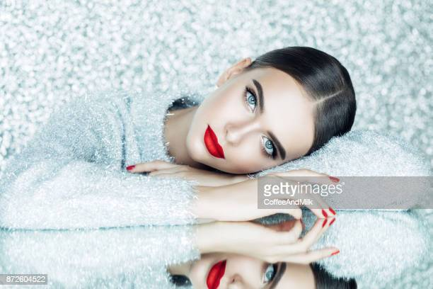 beautiful woman - moda stock photos and pictures