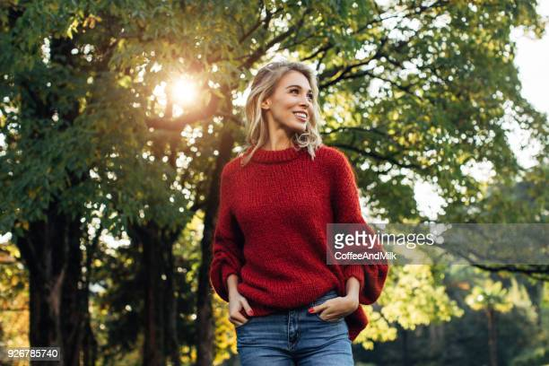 beautiful woman - beauty in nature stock pictures, royalty-free photos & images