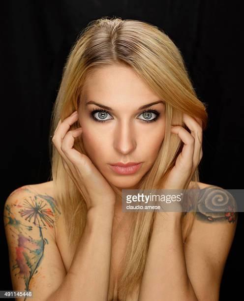 Belle femme Portrait. Image en couleur