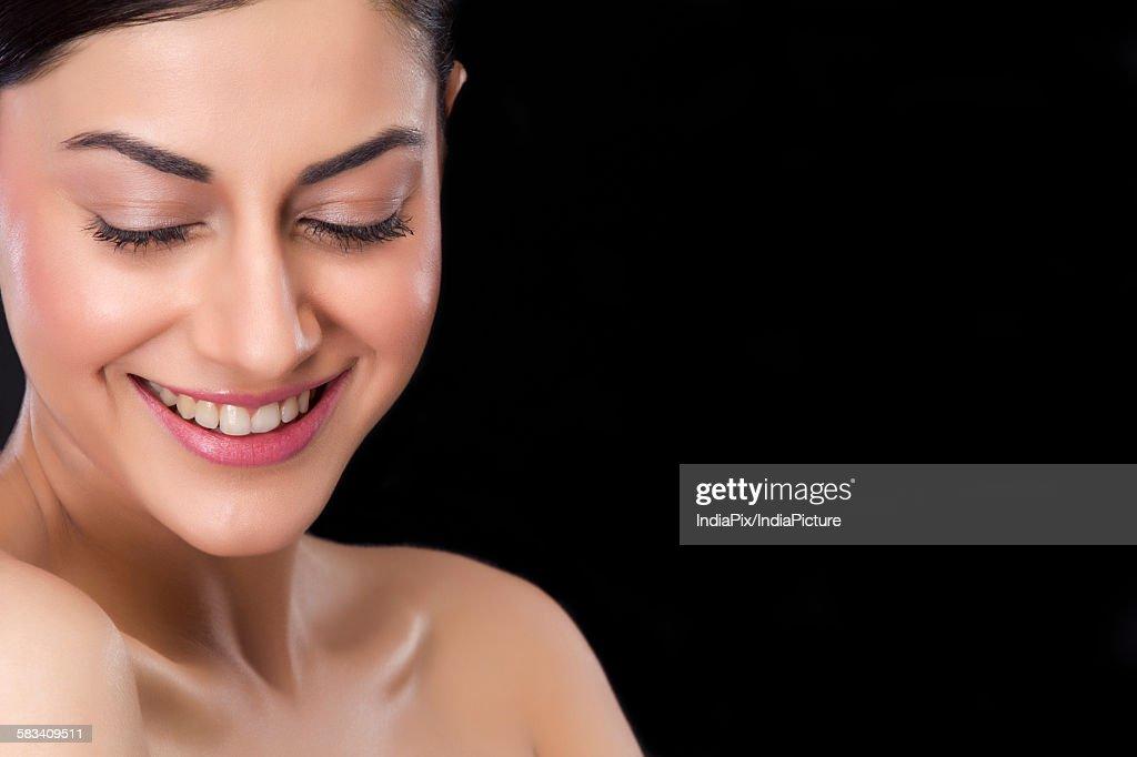 Beautiful woman smiling : Stock Photo