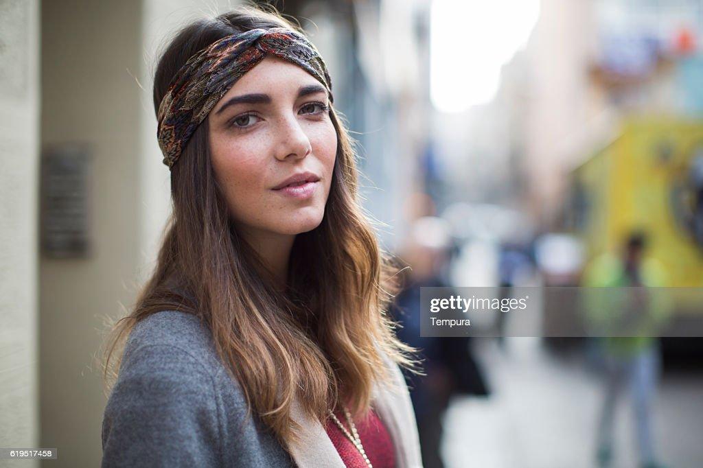 Beautiful woman street portrait in Barcelona. : Foto de stock