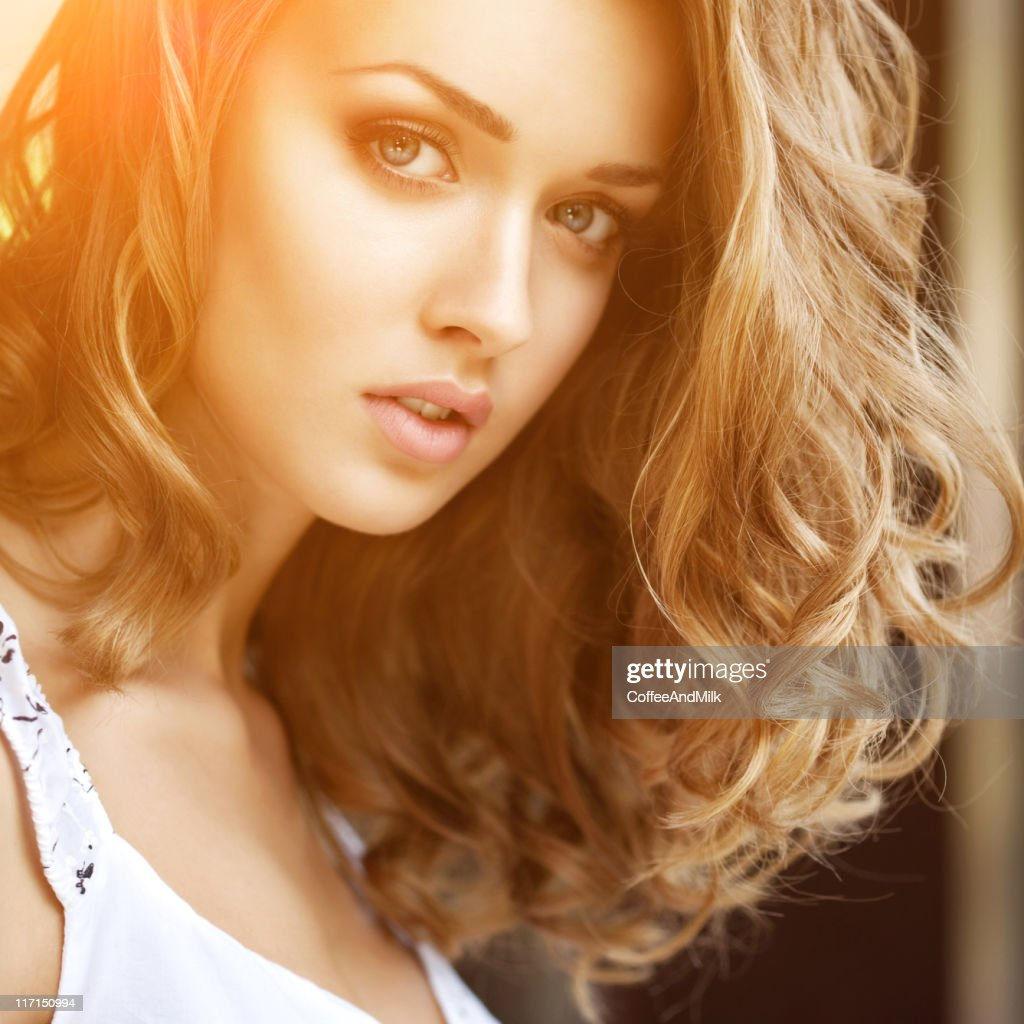 Beautiful woman wih luxury hairs : Stock Photo